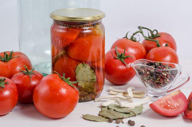 Шесть рецептов консервирования помидоров